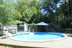 211 W Brow Rd, Lookout Mountain, TN 37350
