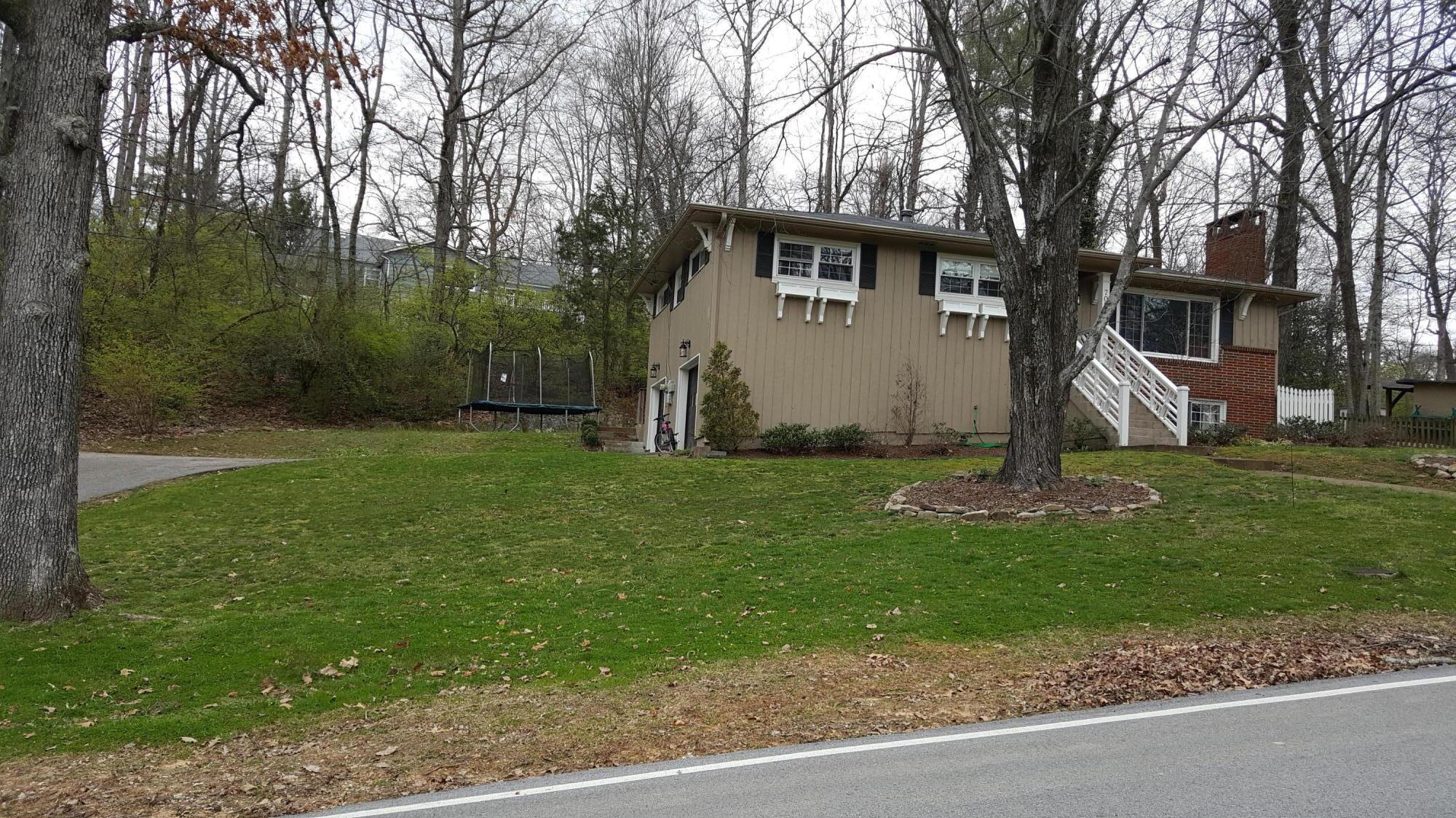 705 Kentucky Ave, Signal Mountain, TN 37377