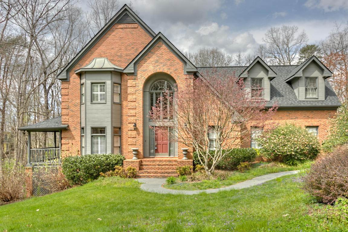 38 Cool Springs Rd, Signal Mountain, TN 37377
