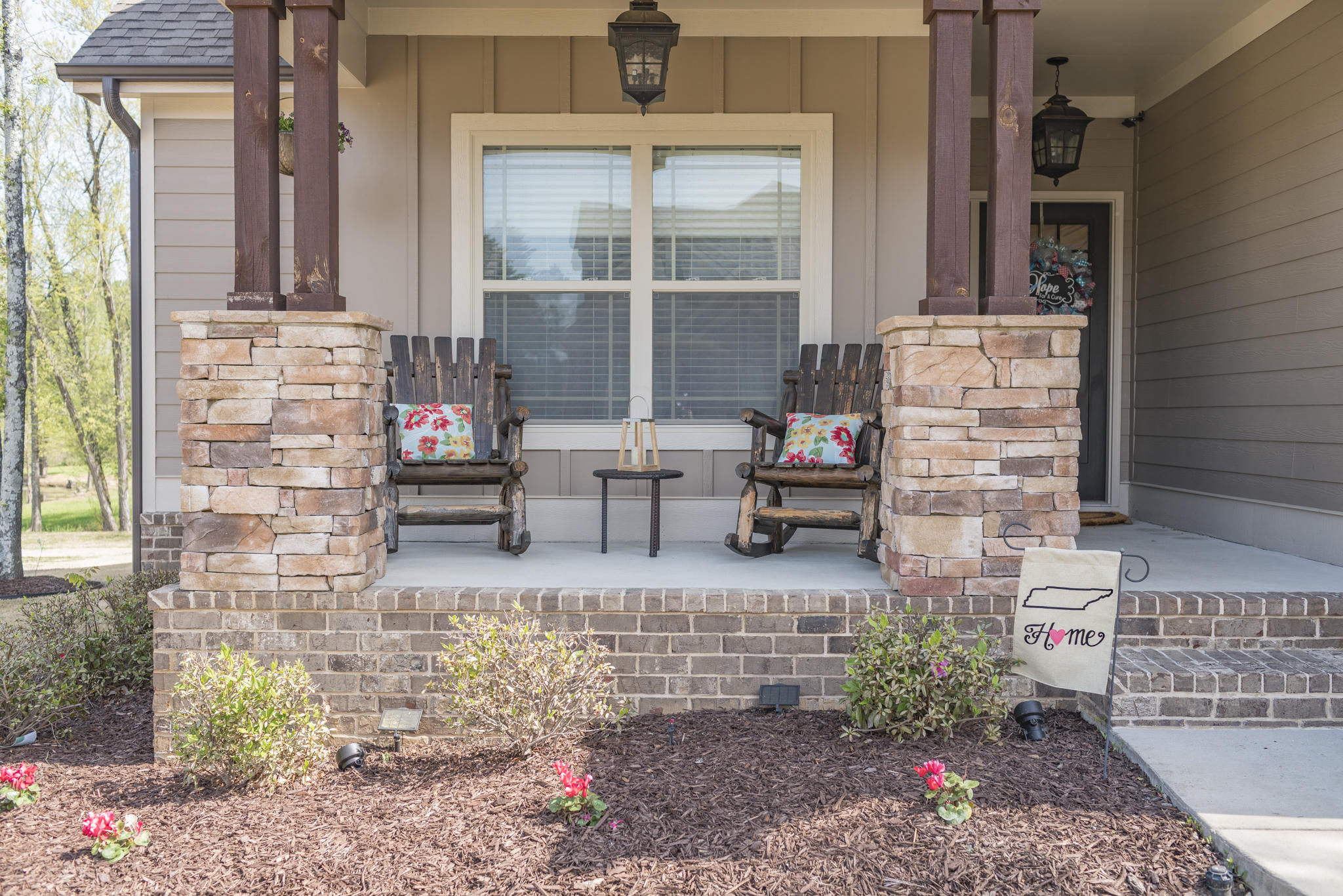 7060 Gregory Dr, Ooltewah, TN 37363