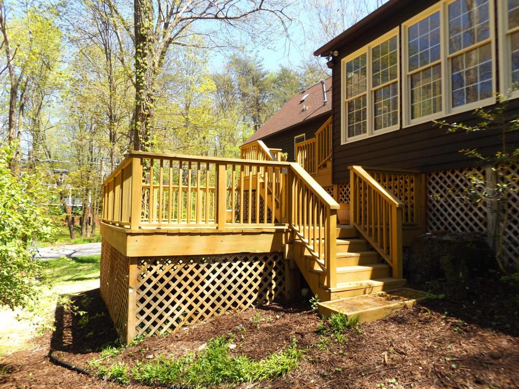201 Grayson Rd, Signal Mountain, TN 37377