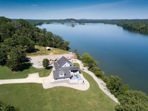 540 Riverview Dr, Dayton, TN 37321