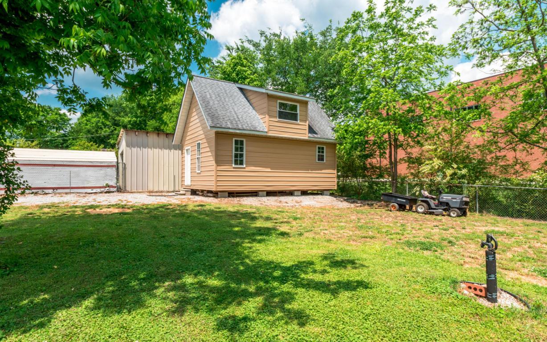64 Warren St, Rossville, GA 30741
