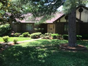 813 Cherokee Ln, Signal Mountain, TN 37377