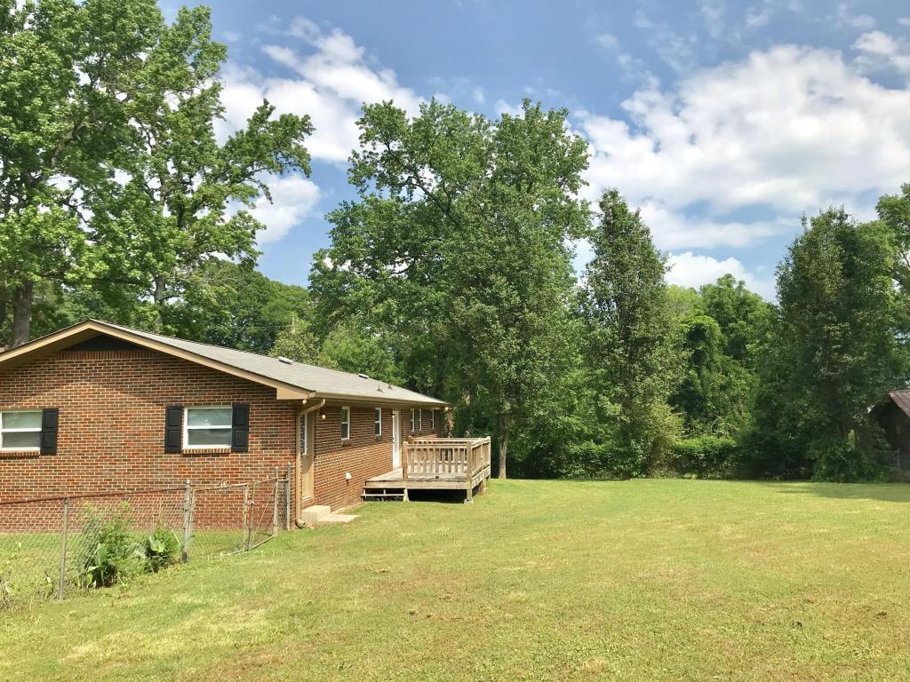 3370 Adkins Rd, Chattanooga, TN 37419