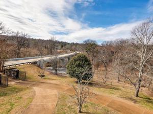 507 Scenic Hwy, Lookout Mountain, TN 37350