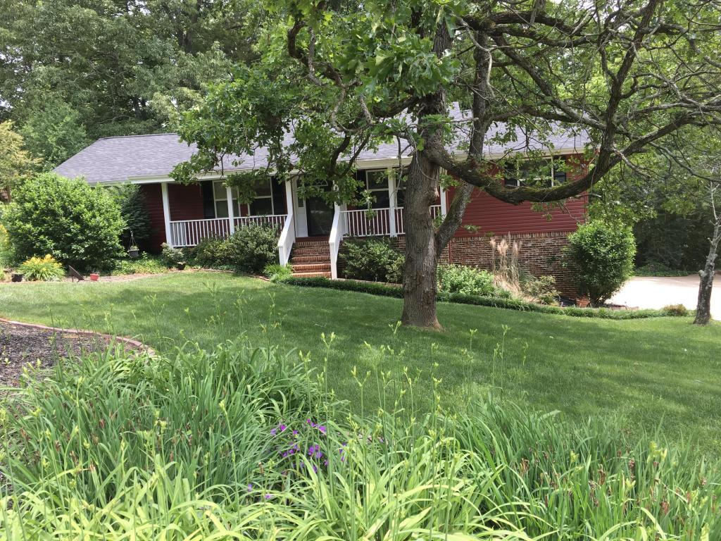 1933 Rock Bluff Rd, Hixson, TN 37343