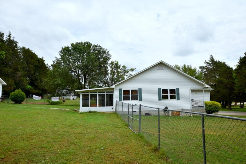 12909 Georgetown Village Ln, Georgetown, TN 37336