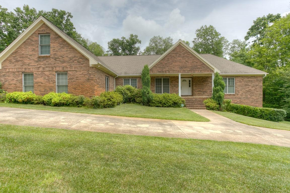 700 Hargis Rd, Signal Mountain, TN 37377