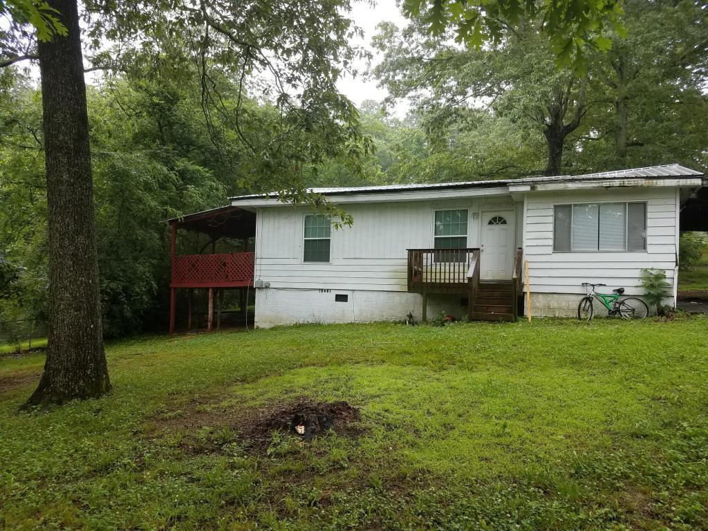 556 W Garden Farm Rd, Rossville, GA 30741