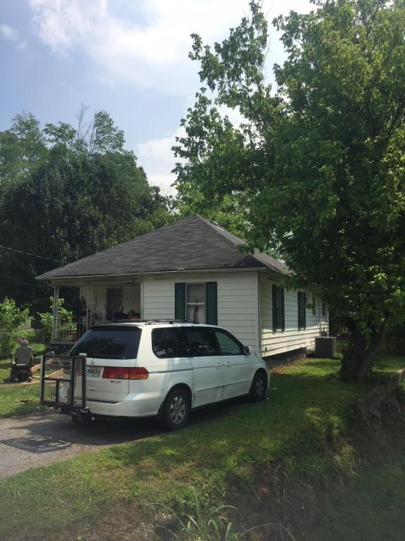 1014 Lee Ave, Rossville, GA 30741