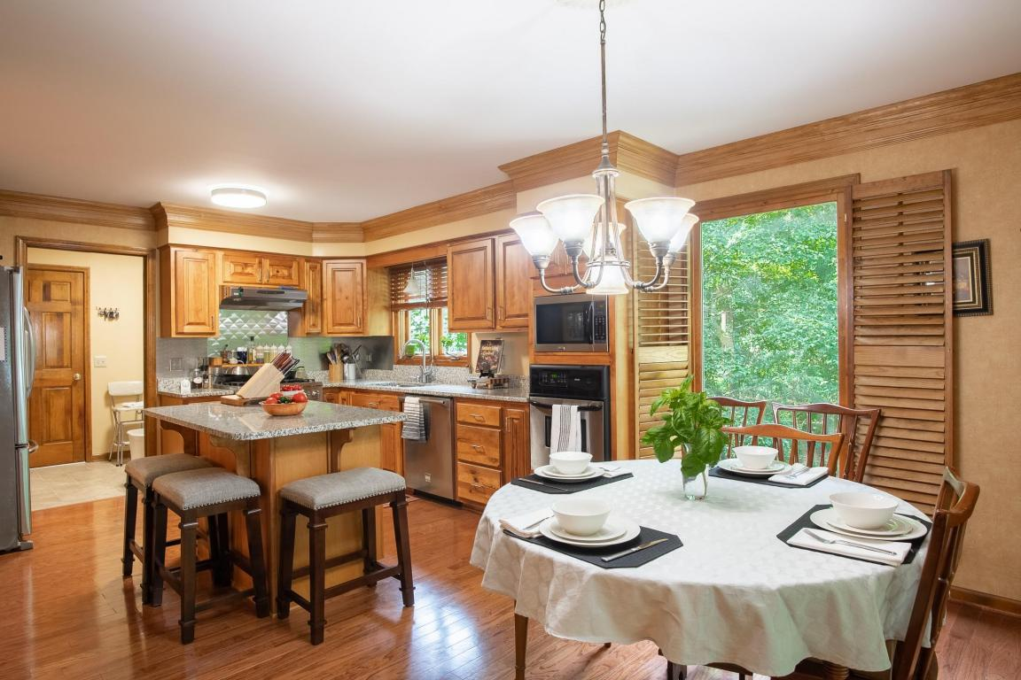 7508 Island Manor Dr, Harrison, TN 37341