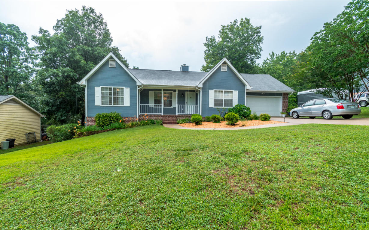 6015 Parsons Pond Dr, Ooltewah, TN 37363