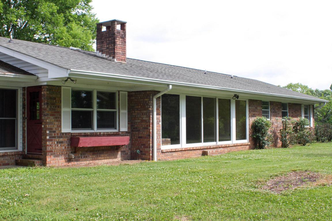 413 S Mission Ridge Dr, Rossville, GA 30741