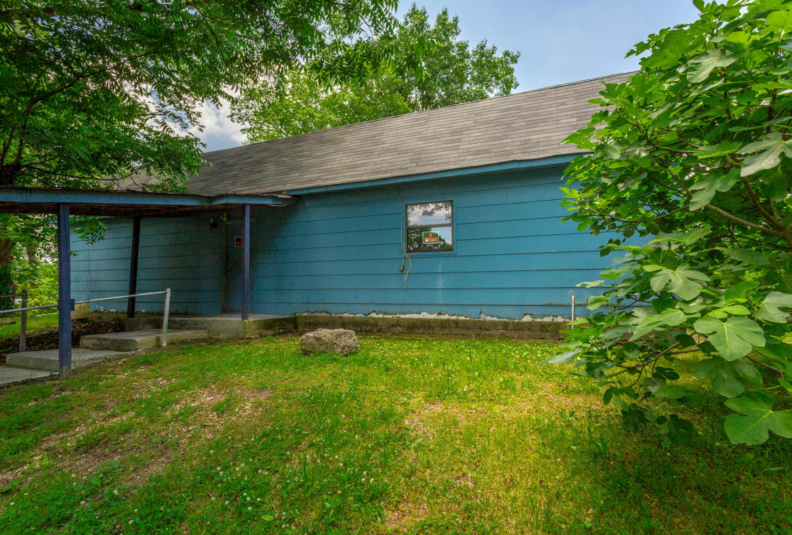 315 E Circle Dr, Rossville, GA 30741