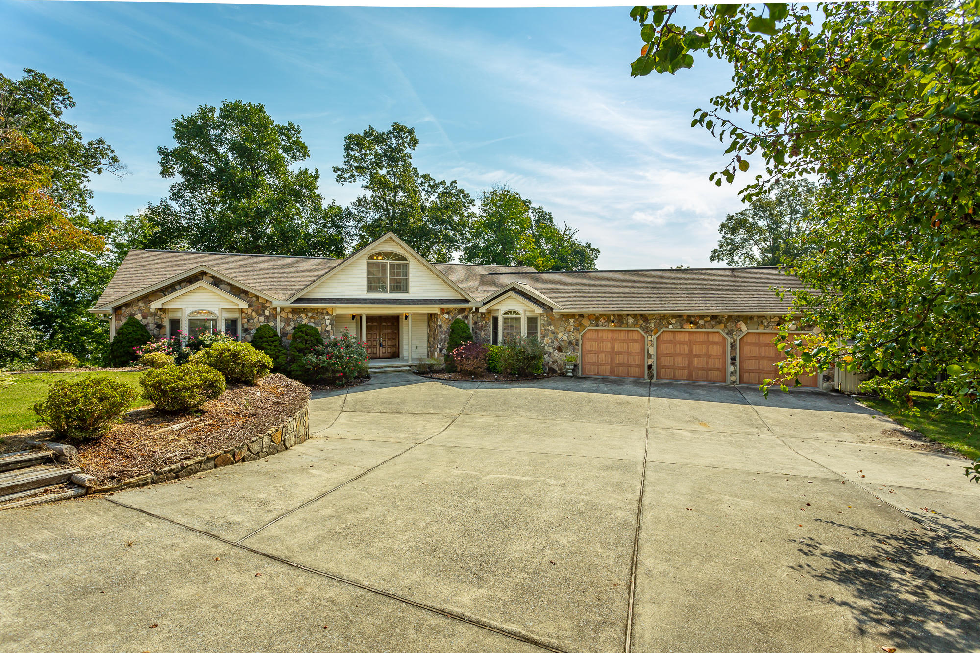 3538 Lee Pike, Soddy Daisy, TN 37379
