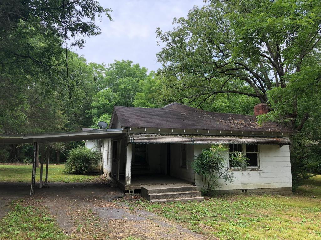 2083 Glass Mill Rd, Chickamauga, GA 30707