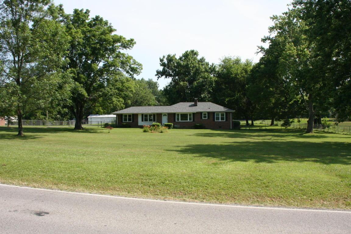 8017 Shallowford Rd, Chattanooga, TN 37421