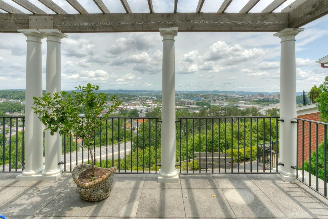 542 Whitehall Rd, Chattanooga, TN 37405