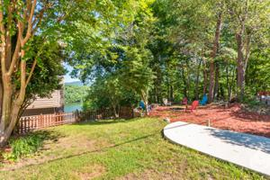 987 Clift Cave Rd, Soddy Daisy, TN 37379