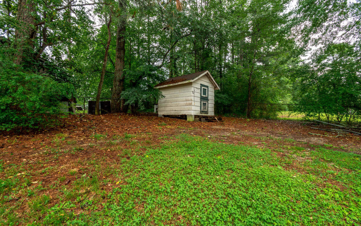 3244 Maple Grove Dr, Dalton, GA 30721