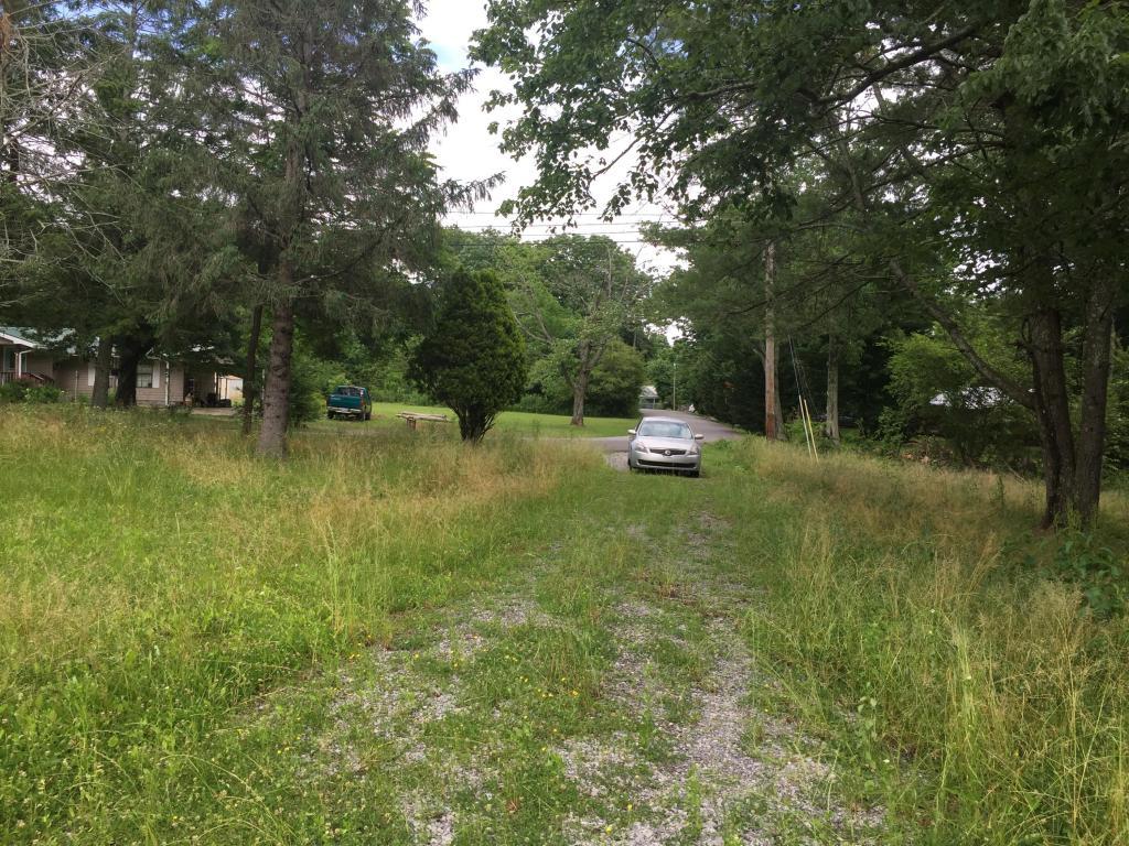 2015 Oak St, Signal Mountain, TN 37377