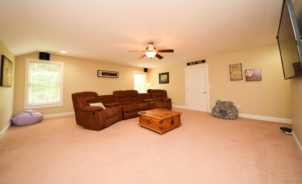 7119 Forest Spring Ln, Ooltewah, TN 37363