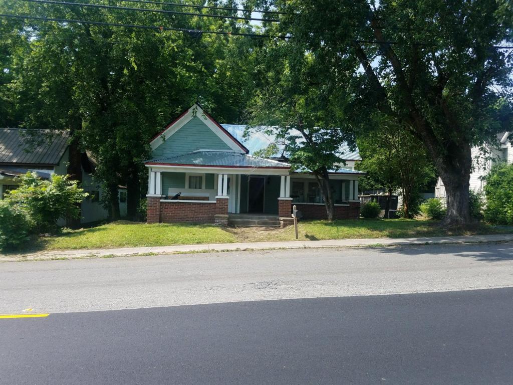 308 E Villanow St, Lafayette, GA 30728