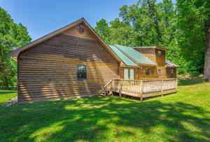4599 Long Hollow Rd, Ringgold, GA 30736