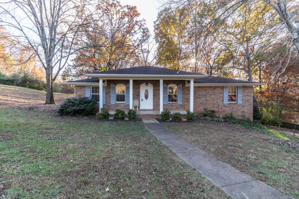 8206 Pinecrest Dr, Chattanooga, TN 37421