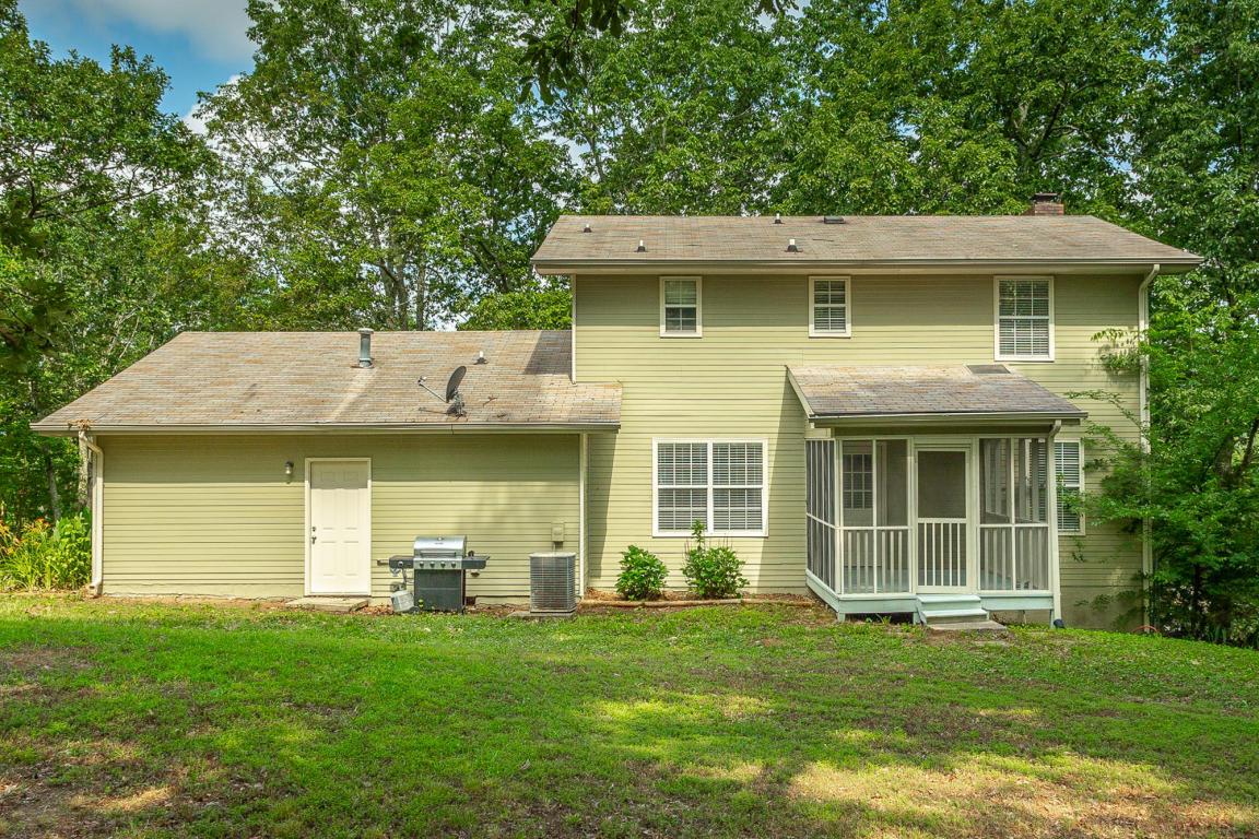 7714 Sandalwood Heights Dr, Hixson, TN 37343