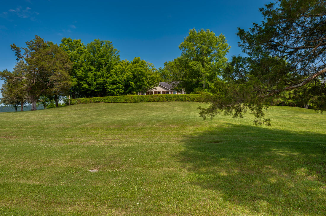 7620 Snow Hill Rd, Ooltewah, TN 37363