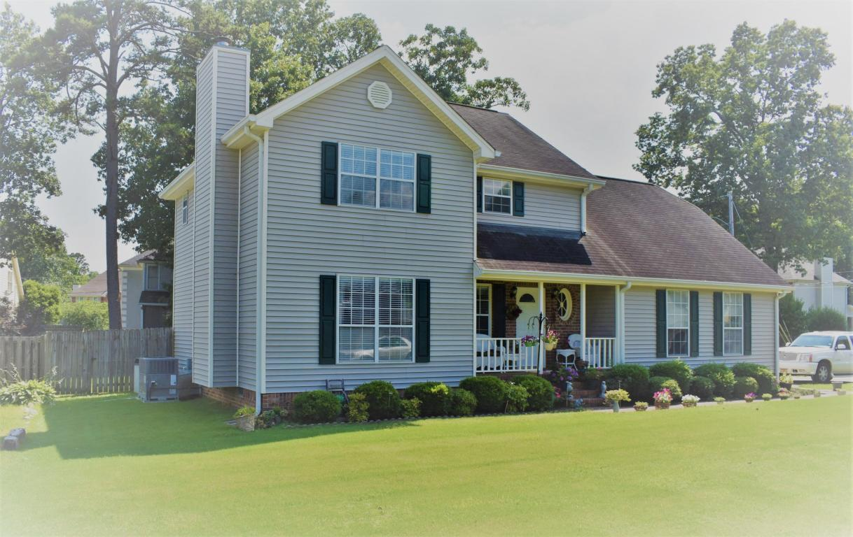 1618 Brook Manor Dr, Hixson, TN 37343