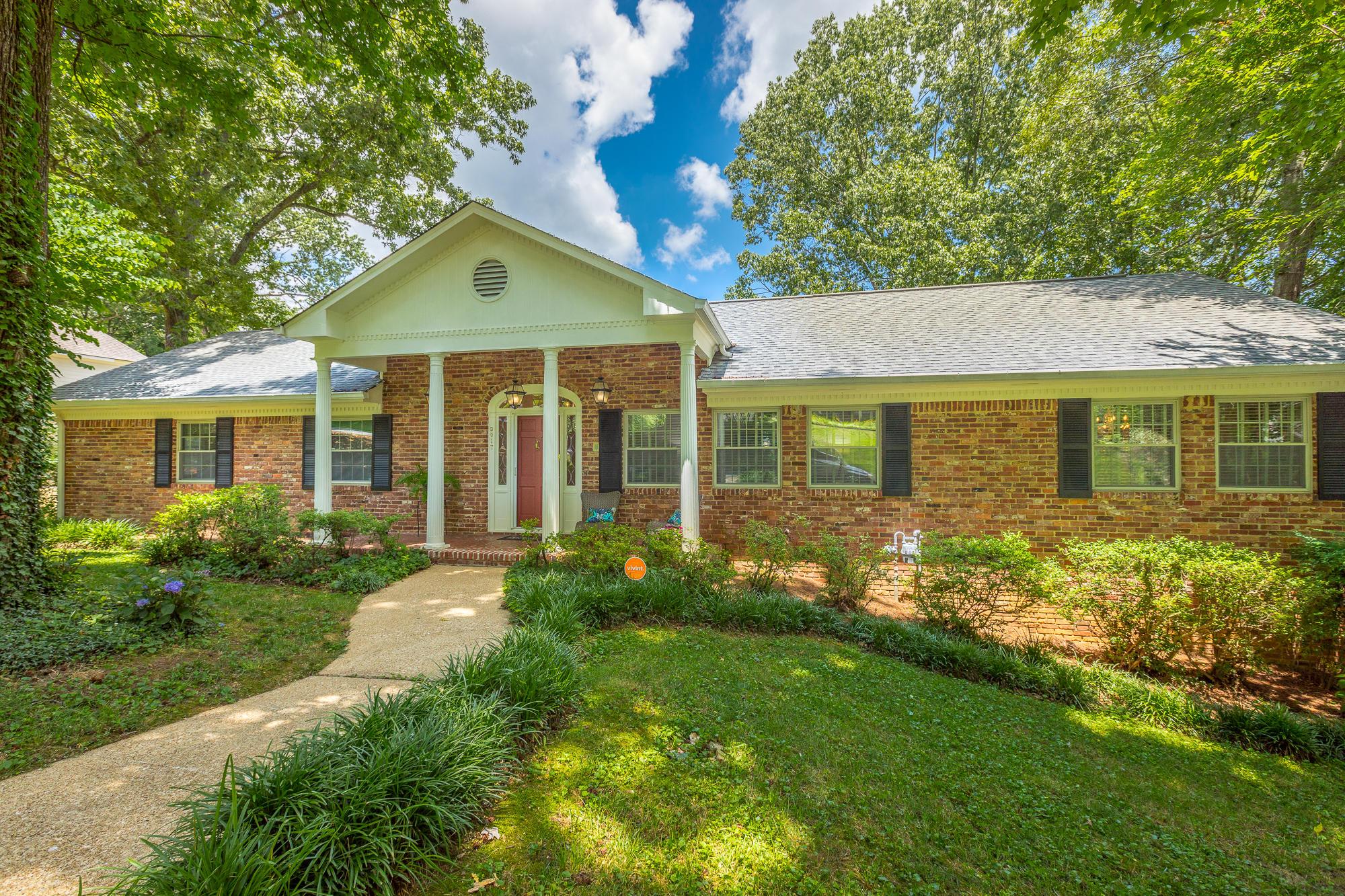 3017 Brownwood Dr, Chattanooga, TN 37404