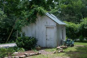 400 Laurel Ln, Lookout Mountain, TN 37350