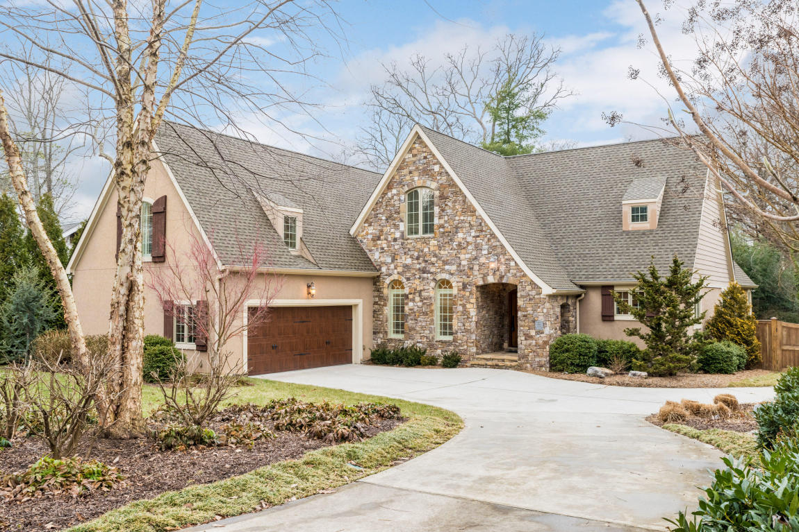 509 Carolina Ave, Signal Mountain, TN 37377