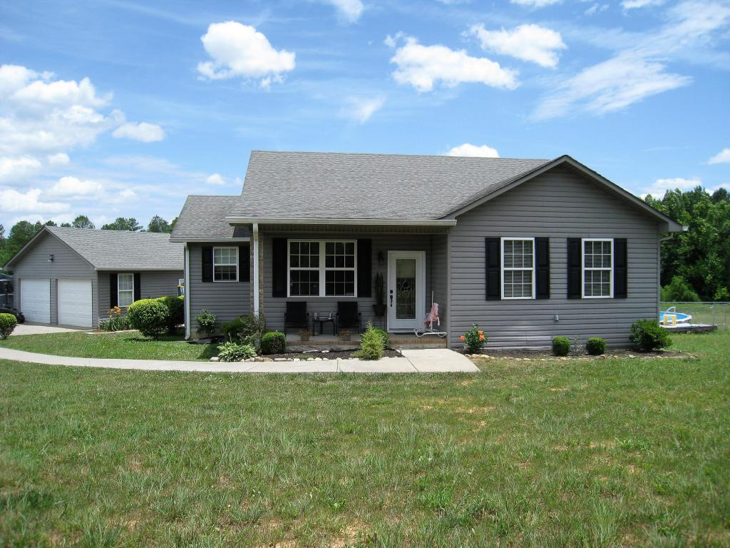 658 County Road 187, Athens, TN 37303