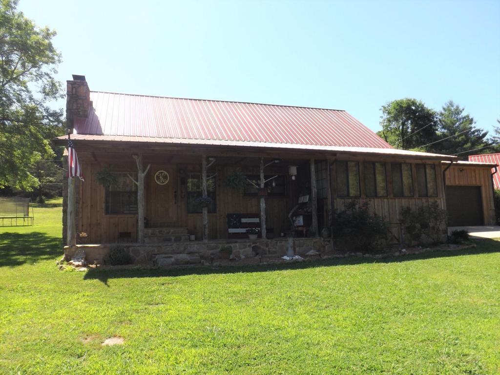 515 Chance Rd, South Pittsburg, TN 37380