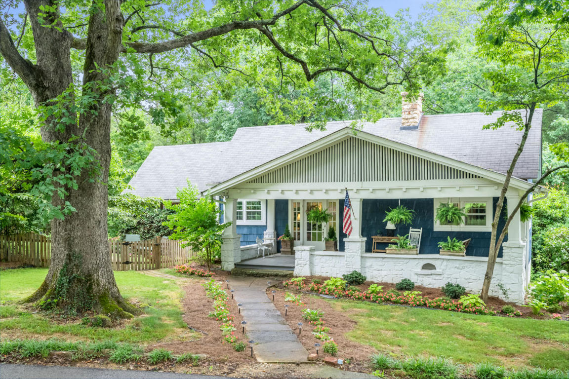 403 East And West Rd, Lookout Mountain, TN 37350