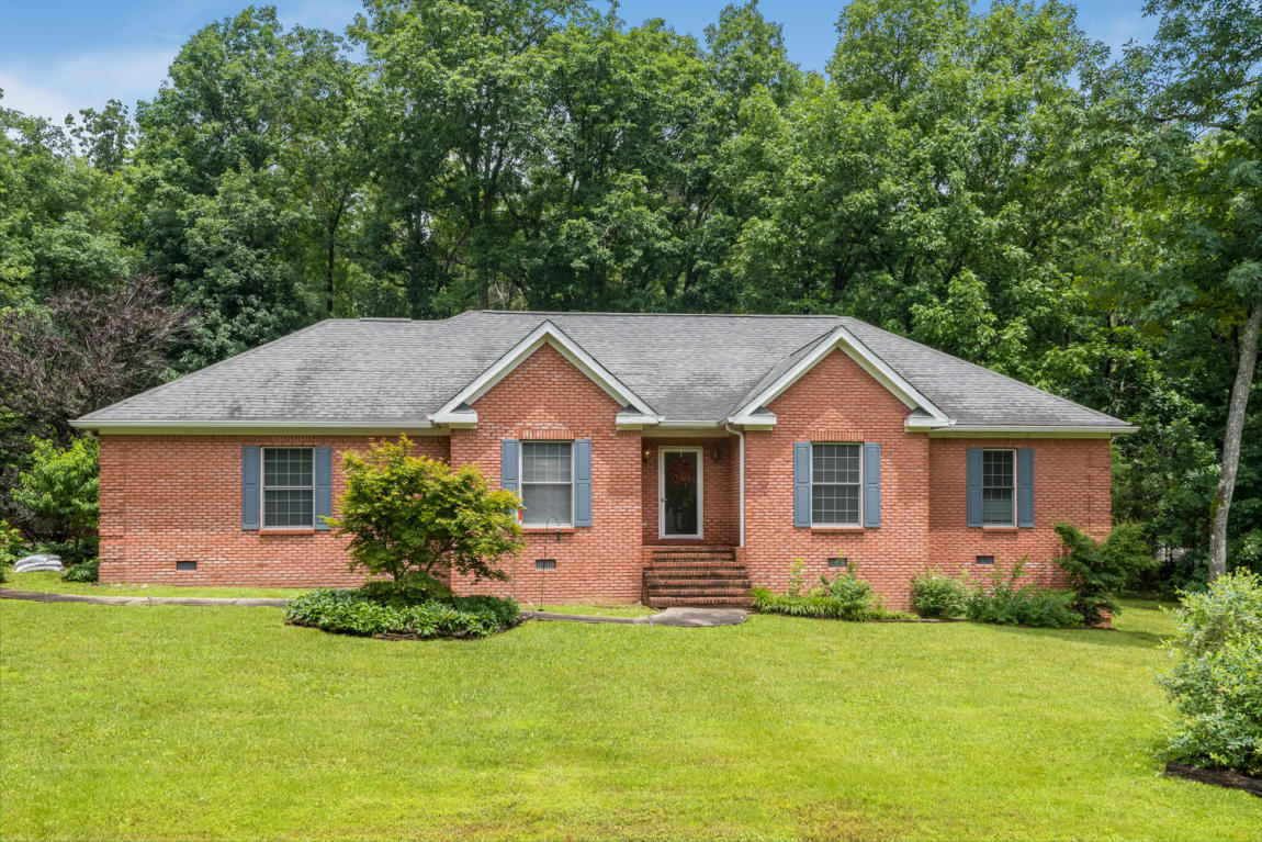 193 Spring Dr, Signal Mountain, TN 37377