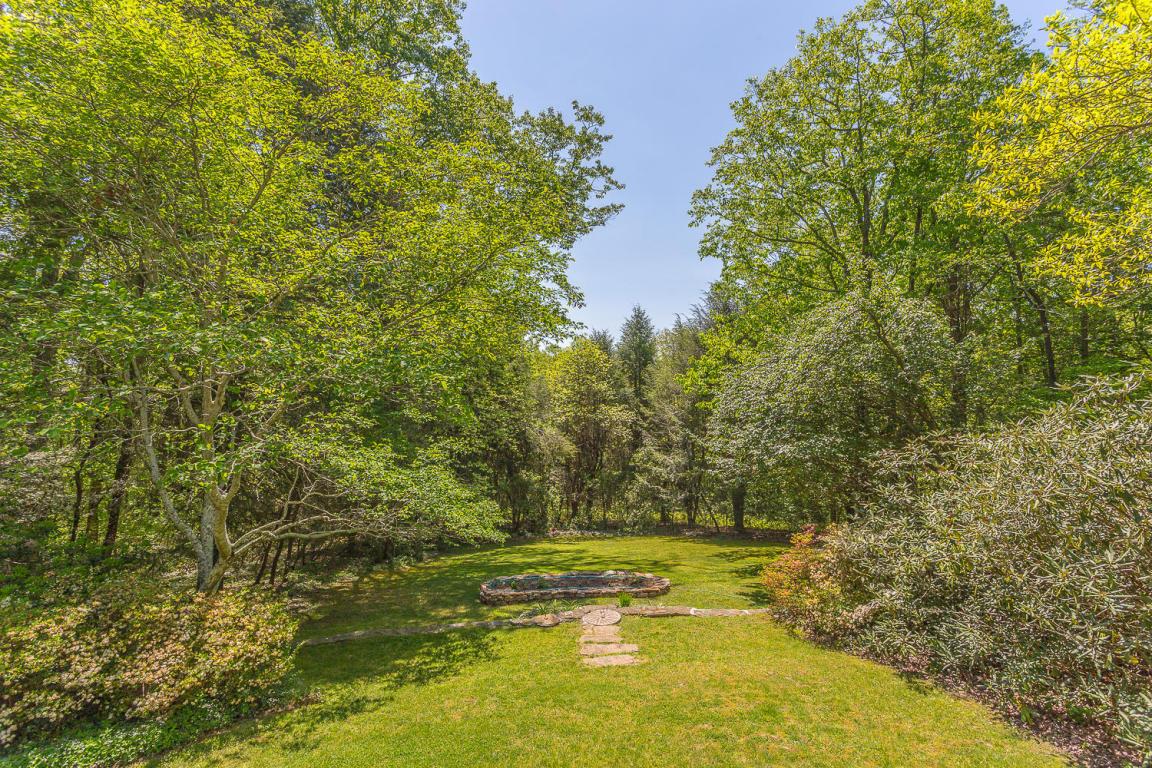 1323 Scenic Hwy, Lookout Mountain, GA 30750