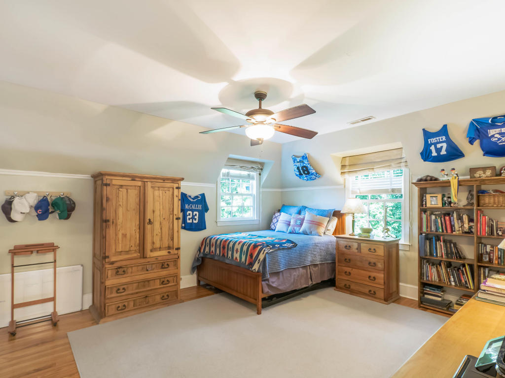 325 Park Rd, Lookout Mountain, TN 37350