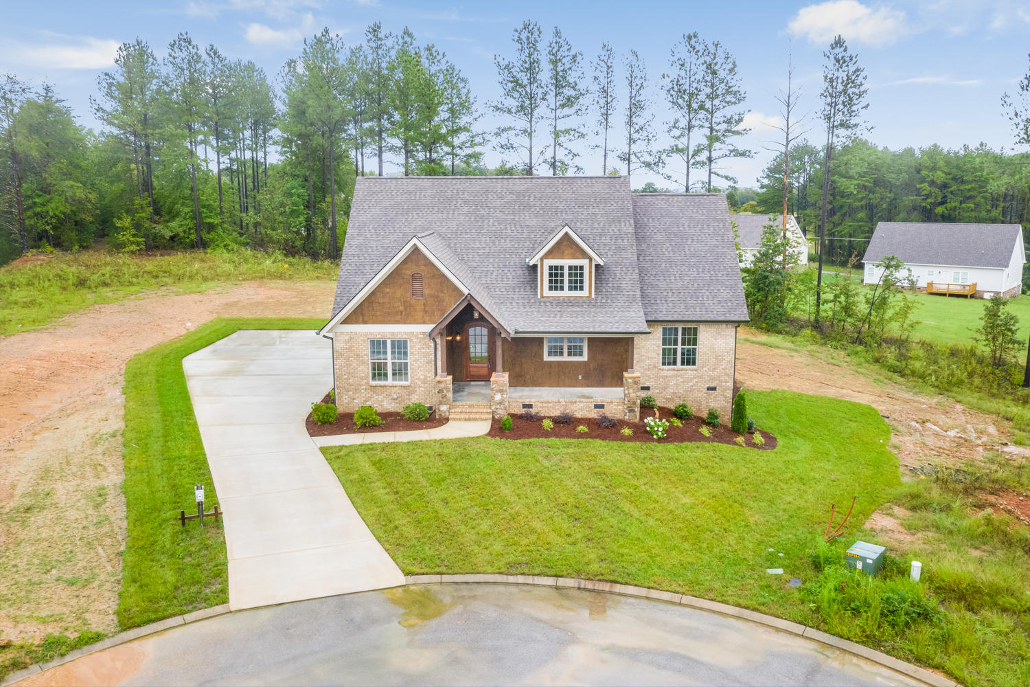 906 Bella Point Dr, Soddy Daisy, TN 37379