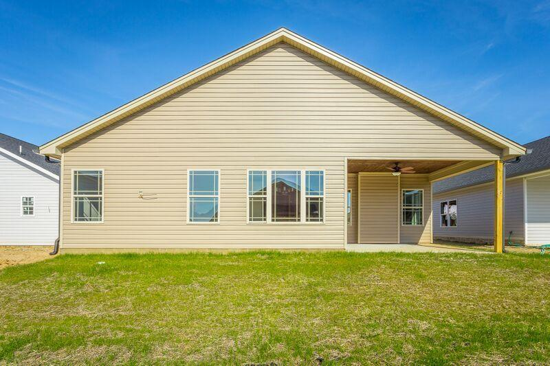84 Browning Dr, Rossville, GA 30741