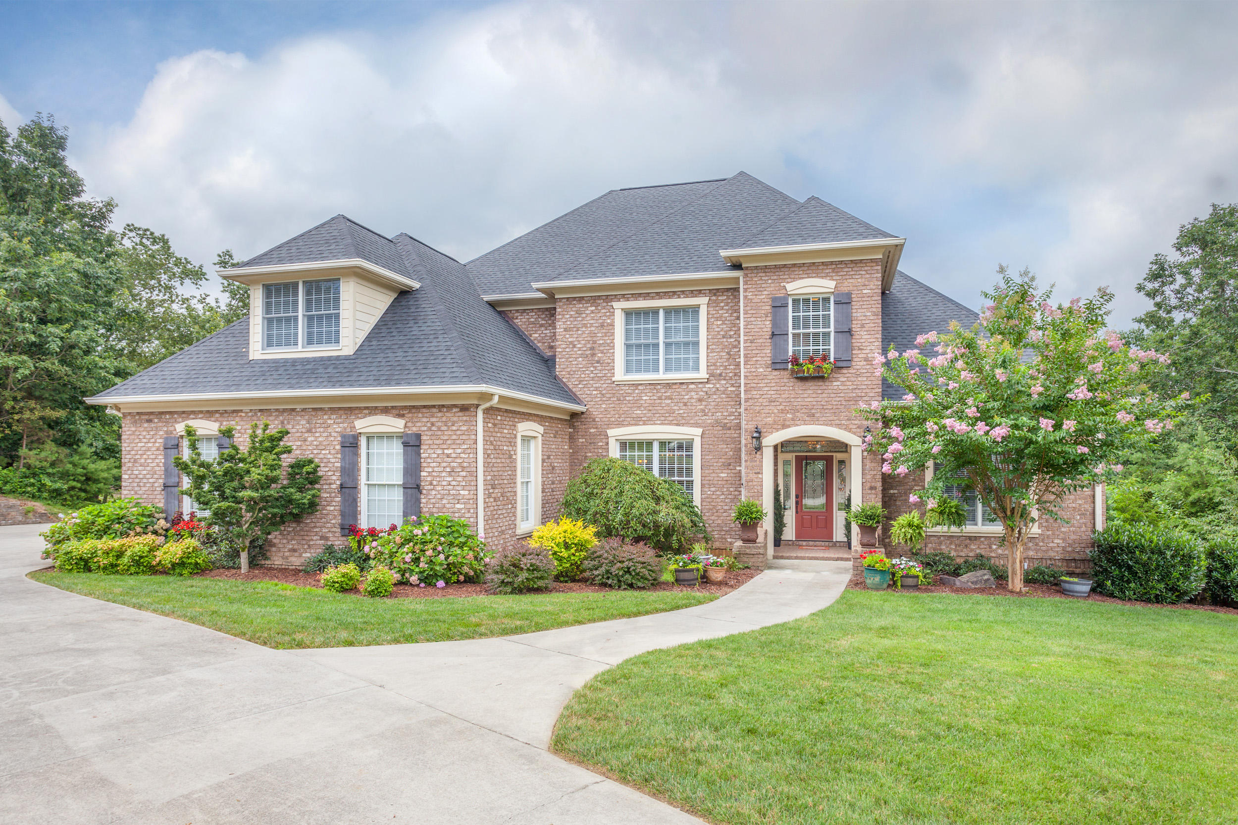9804 Deer Ridge Dr, Ooltewah, TN 37363