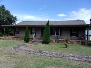 1303 Grayson Rd, Whitwell, TN 37397