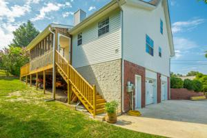 10050 Rolling Wind Dr, Soddy Daisy, TN 37379