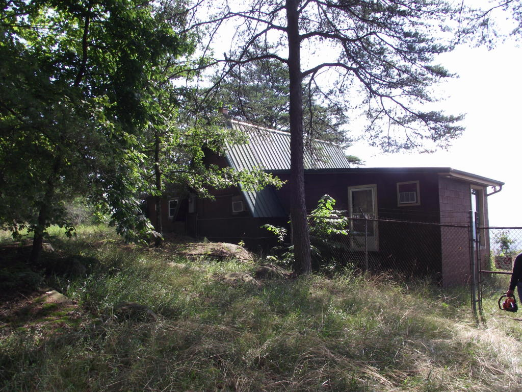816 English Cove Rd, Whitwell, TN 37397