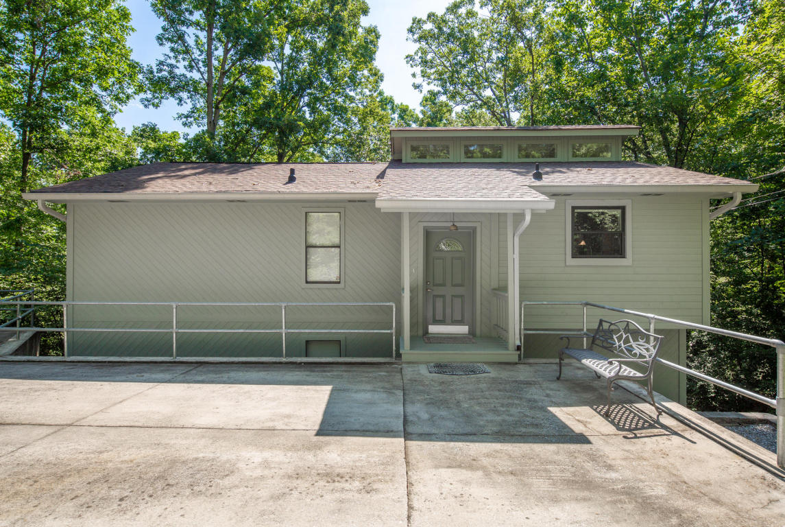 3218 Lockwood Dr, Chattanooga, TN 37415