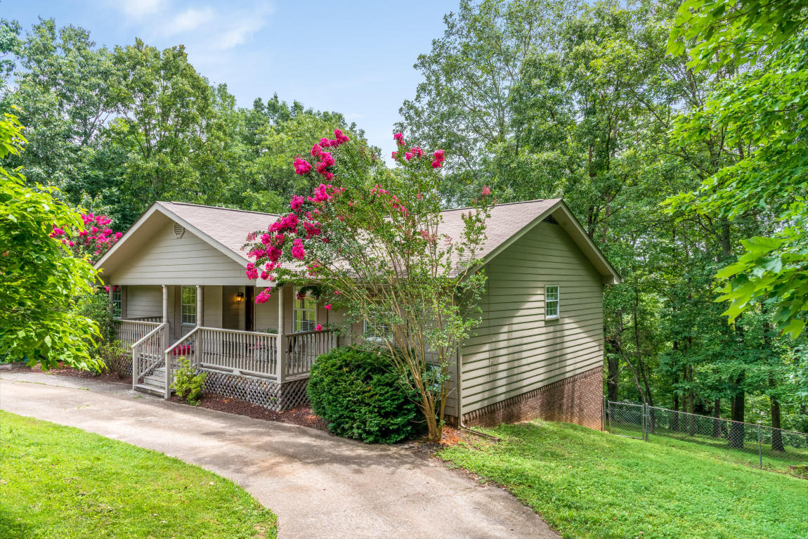 2216 Bending Oak Dr, Chattanooga, TN 37421